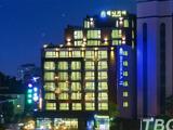 베니키아 아이진 호텔